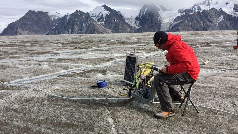 Algiz rugged tablet on glacier